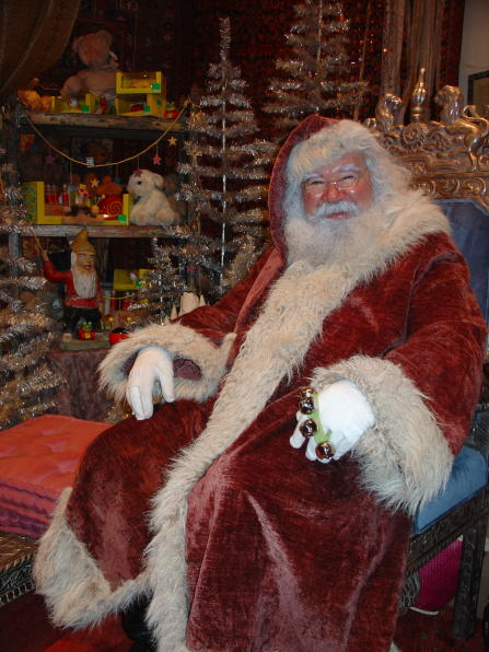 santa at ABC Carpet & Home